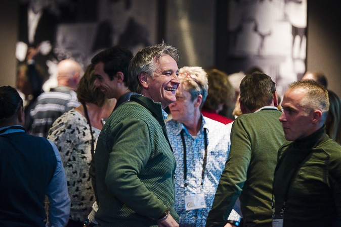 Man lacht tijdens Nationaal Congres Veilig Voedsel 2019